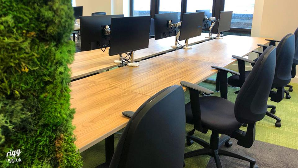Oak Top Bench Desking