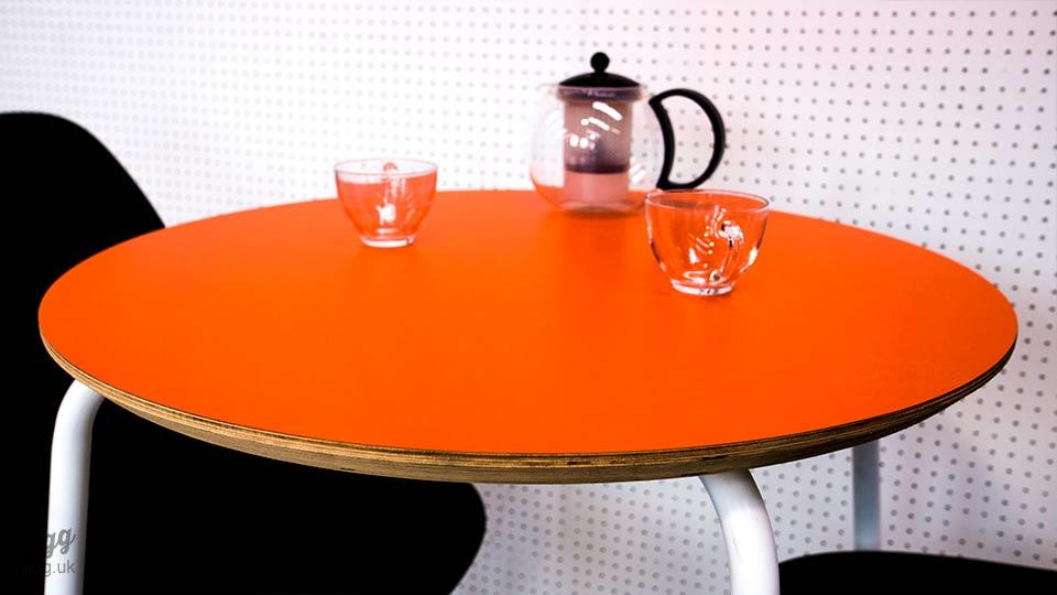 Round Plywood & Laminate Cafe Table