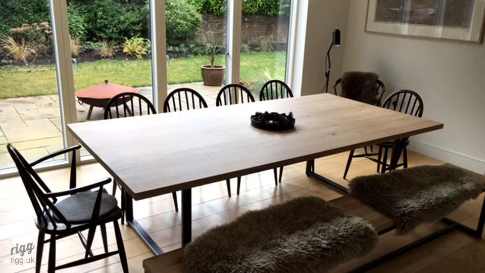 Contemporaryoakdiningtable