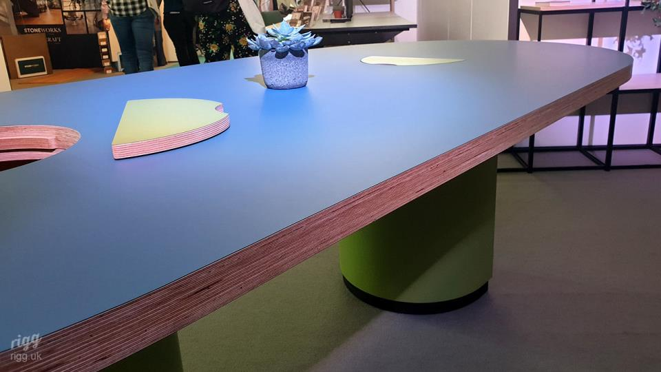 Meeting & Coworking Table with Thick Birch Plywood Racetrack Top