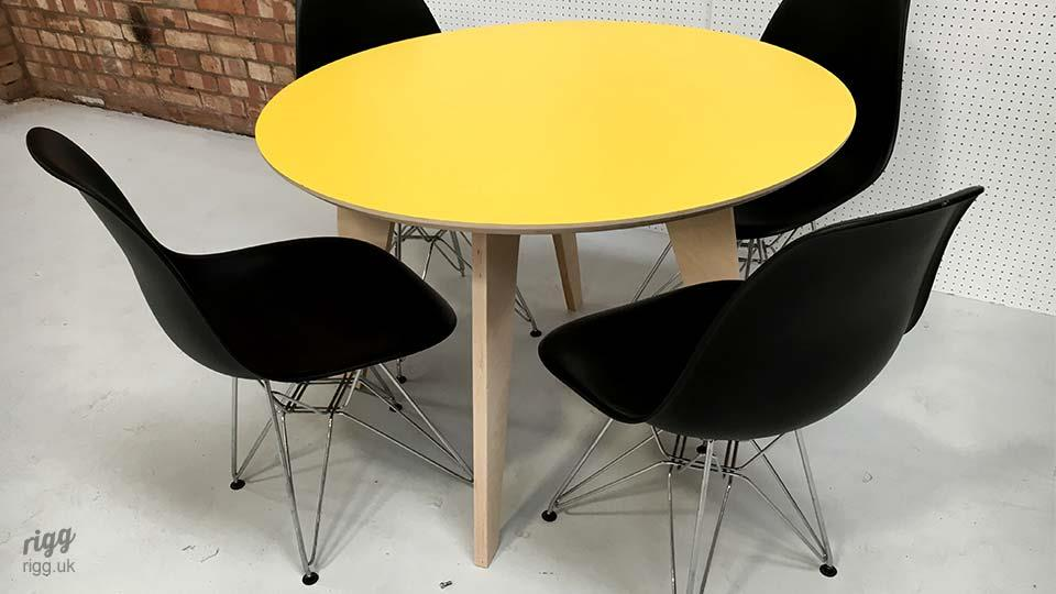 Round Plywood & Laminate Dining Table